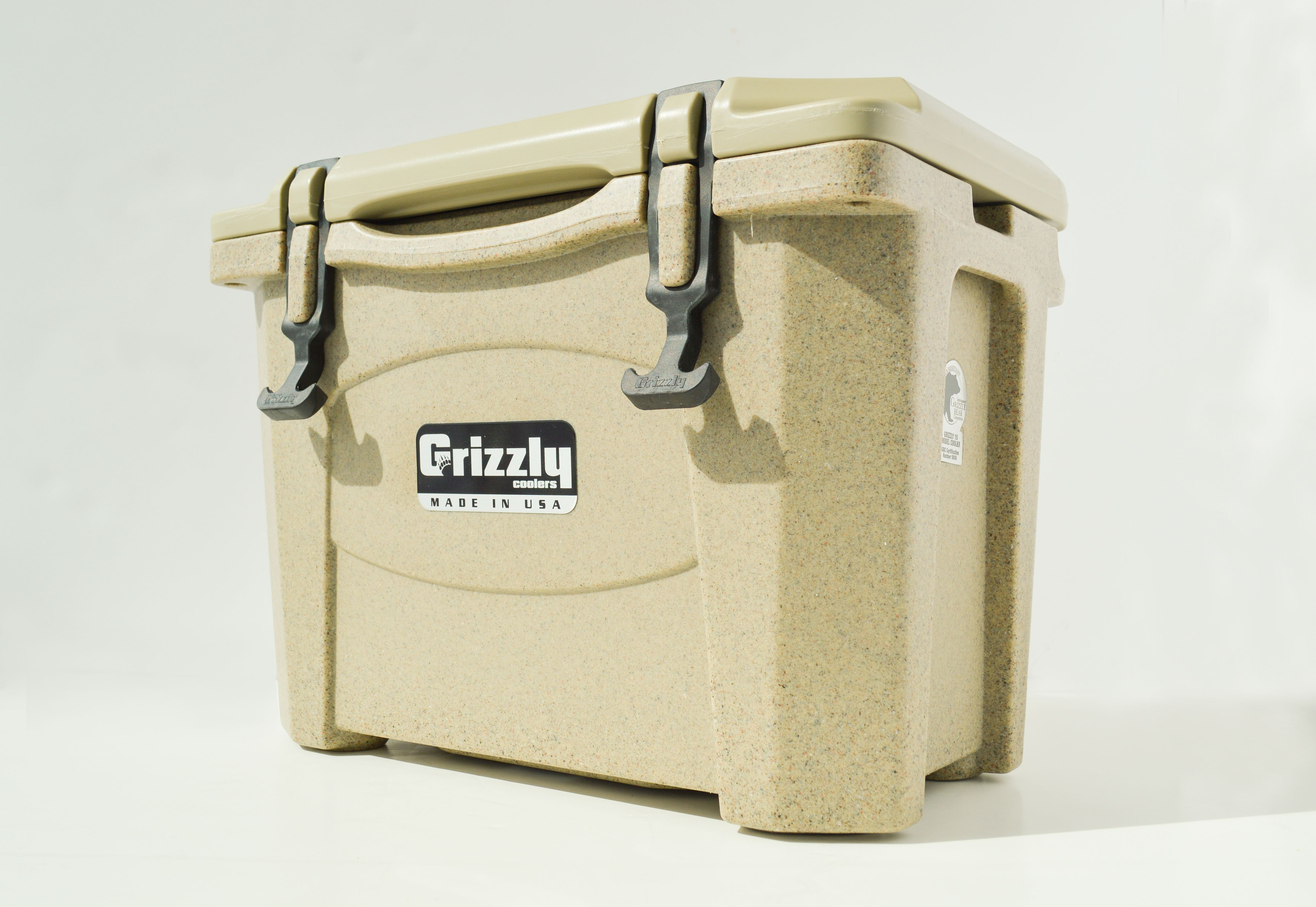 Grizzly 15 Quart Cooler - Sandstone/Tan