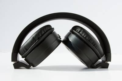 AT&T PBH20 Bluetooth Stereo Headphones - Image 2: image 10