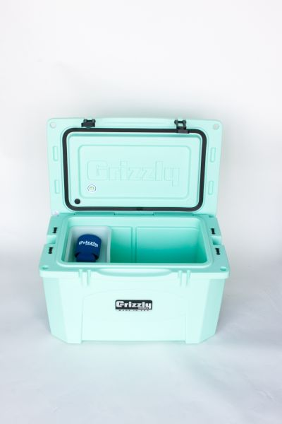 Grizzly 40 Quart Cooler – Seafoam - Image 6: image 6